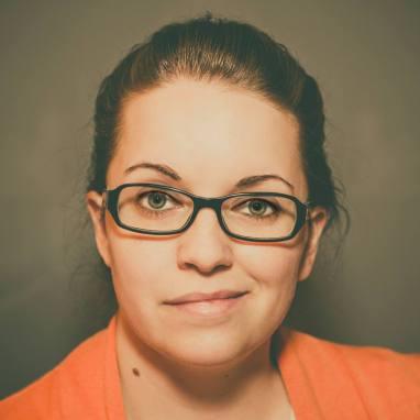 Amanda Malovich (Still Photographer)